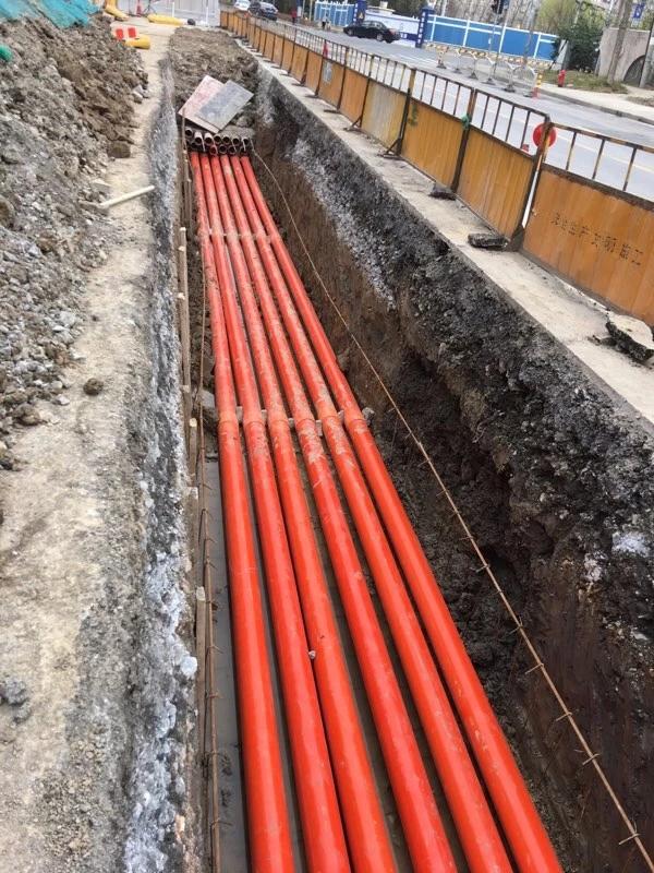 叠翠路、清流环三路、南段建设电力排管工程
